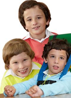 Андрей, Паша и Петя Ароновы, 10 лет, детский церебральный паралич, требуется лечение. 598860 руб.