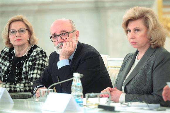 Президент Русфонда Лев Амбиндер выступил назаседании Совета поправам человека при Президенте России