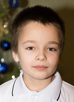Илья Борисовский, 8 лет, ранний детский аутизм, требуется курсовое лечение. 199200 руб.
