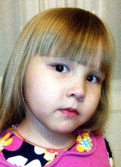 Ксюша Игнатьева, 6 лет, врожденный порок сердца, спасет эндоваскулярная операция. 583045 руб.