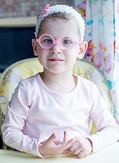 Саша Карабанова, 3 года, врожденный порок сердца, спасет операция. 3342219 руб.