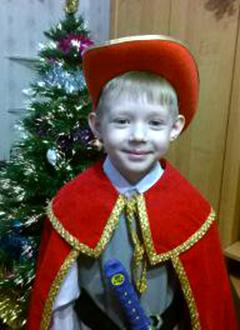 Леша Андреев, 7 лет, приобретенная анемия сверхтяжелой степени, требуются трансплантация костного мозга и лекарства. 1857589 руб.
