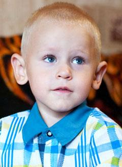 Глеб Белый, 2 года, акушерский паралич слева, требуется операция. 720000 руб.