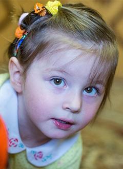 Настя Рощупкина, 3 года, тяжелый врожденный порок сердца, спасет эндоваскулярная операция. 599993 руб.