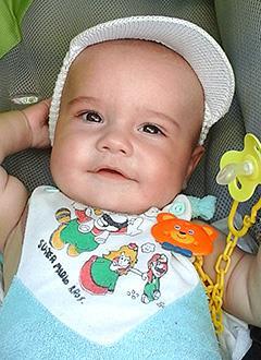 Матвей Крапчатов, 7 месяцев, синдром короткой кишки, спасет внутривенное питание. 1319377 руб.