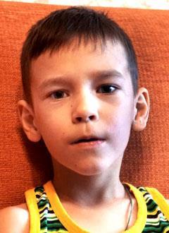 Саша Устинов, 7 лет, детский церебральный паралич, требуется курсовое лечение. 199200 руб.