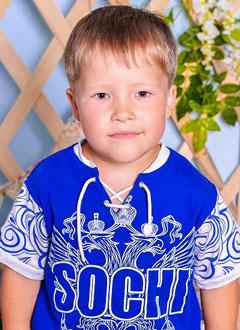Матвей Запевин, 5 лет, врожденный порок сердца, спасет эндоваскулярная операция, требуется окклюдер. 339200 руб.