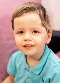 Руслан Кучманов, 2 года, костный дефект черепа, требуется операция. 605000 руб.