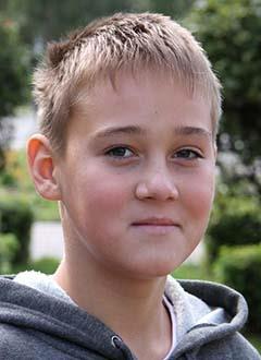 Даня Азоркин, 13 лет, врожденный порок сердца, спасет эндоваскулярная операция, требуется окклюдер. 339200 руб.
