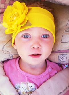 Поля Савоськина, 2 года, детский церебральный паралич, эпилепсия, требуется лечение. 199620 руб.