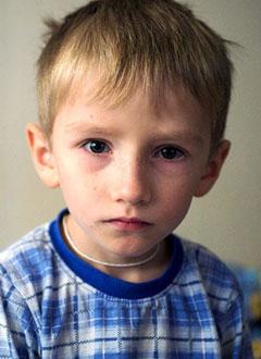 Глеб Кицер, 5 лет, несовершенный остеогенез, требуется курсовое лечение. 920000 руб.
