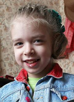 Поля Давыдова, 6 лет, детский церебральный паралич, требуется лечение. 199620 руб.
