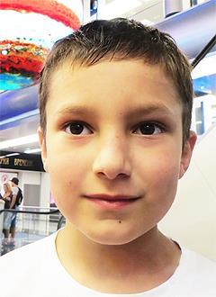 Никита Бабенко, 8 лет, речевое расстройство, аутоподобное поведение, требуется курсовое лечение. 199200 руб.