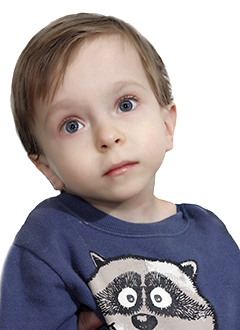 Слава Кирсанов, 3 года, тяжелый врожденный комбинированный порок развития левых ноги и руки, требуются операции. 457268 руб.