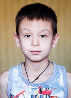 Кирилл Ларионов, 8 лет, врожденный порок сердца, спасет эндоваскулярная операция, требуется окклюдер. 242799 руб.