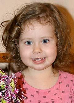 Вероника Петрук, 2 года, сахарный диабет, требуется инсулиновая помпа и расходные материалы к ней. 208945 руб.
