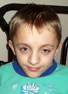 Вова Яковлев, 13 лет, несовершенный остеогенез, требуется курсовое лечение. 460000 руб.