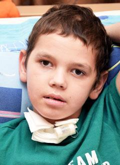 Миша Фролов, 11 лет, редкое генетическое заболевание – адренолейкодистрофия головного мозга, спасет лекарство. 884275 руб.