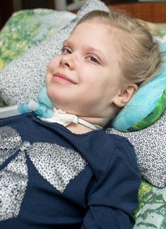 Лиза Каневская, 7 лет, некротизирующий энцефалит, требуется операция. 3207314 руб.