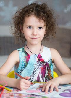 Соня Гончарова, 4 года, врожденный порок сердца, спасет эндоваскулярная операция, требуется спираль. 87626 руб.