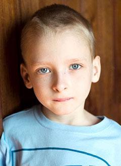 Даня Тимофеев, 9 лет, врожденный прогрессирующий сколиоз 4-й степени, спасет операция. 1770700 руб.