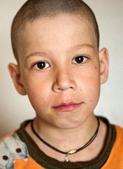 Антон Кириленко, 10 лет, врожденный порок сердца, функционально единственный желудочек, требуется замена электрокардиостимулятора. 612396 руб.