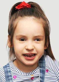 Нелли Брабец, 4 года, детский церебральный паралич, требуется лечение. 199430 руб.
