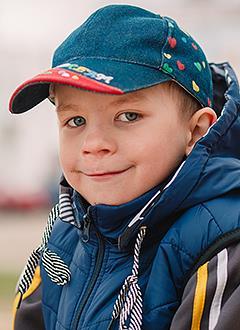 Алеша Паскевич, 6 лет, прогрессирующий левосторонний поясничный сколиоз 3-й степени, спасет операция. 718458 руб.