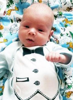 Данил Остряков, 3 месяца, врожденная двусторонняя косолапость, требуется лечение по методу Понсети. 119350 руб.