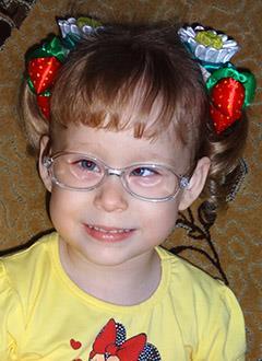 Соня Тарасова, 4 года, детский церебральный паралич, спастический тетрапарез, требуется велотренажер. 126077 руб.