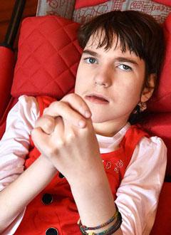 Ксюша Гаврилова, 14 лет, нейромышечный грудопоясничный сколиоз 4-й степени, синдром Ретта, спасет операция. 1133572 руб.