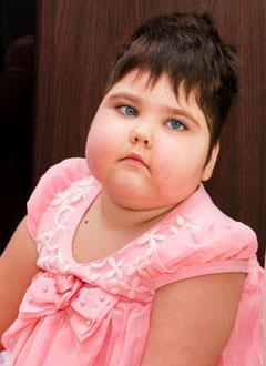 Динара Шамсутдинова, 6 лет, детский церебральный паралич, требуется инвалидное кресло-коляска. 95480 руб.
