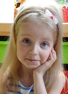Тоня Гордеева, 5 лет, детский церебральный паралич, требуется специальная беговая дорожка. 101692 руб.