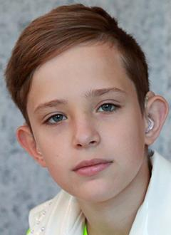 Егор Карпушкин, 13 лет, двусторонняя сенсоневральная тугоухость 3–4-й степени, требуются слуховые аппараты. 160580 руб.