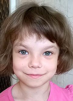 Аня Башкирова, 5 лет, двусторонняя тугоухость 3-й степени, требуются слуховые аппараты. 108175 руб.