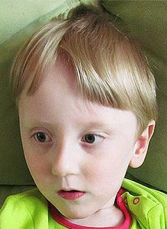 Денис Токалов, 3 года, детский церебральный паралич, требуется лечение. 199430 руб.