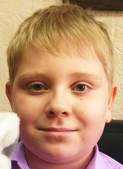 Данил Танцура, 11 лет, двусторонняя тугоухость 4-й степени, требуются слуховые аппараты. 172190 руб.