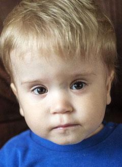 Кирилл Сибримов, 2 года, Spina bifida, требуется обследование и лечение. 658317 руб.