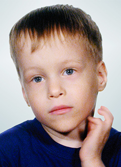 Рома Маркин, 4 года, двусторонняя хроническая глухота, требуется слуховой аппарат. 54088 руб.