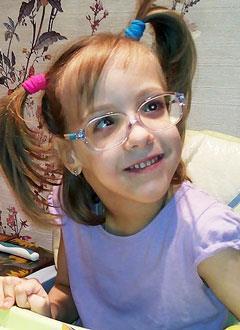 Зоя Ижак, 7 лет, детский церебральный паралич, требуется инвалидная коляска. 165680 руб.