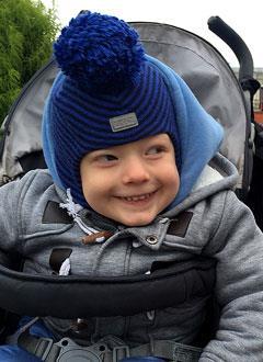 Платон Ключников, 4 года, детский церебральный паралич, требуется лечение. 199430 руб.