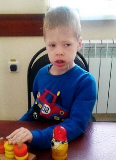 Вова Белов, 6 лет, детский церебральный паралич, требуется курсовое лечение. 199200 руб.