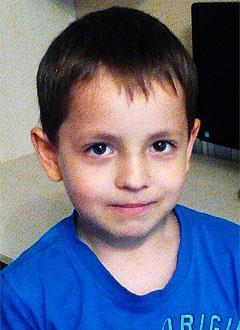 Саша Ивченко, 7 лет, врожденная деформация стоп, рецидив, требуются этапные операции. 385501 руб.