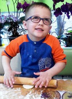 Андрей Матвеев, 4 года, аниридия (отсутствие радужной оболочки глаз), требуется видеоувеличитель с функцией читающей машины. 237615 руб.