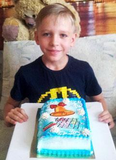 Максим Лукьяненко, 8 лет, врожденный порок сердца, спасет эндоваскулярная операция. 339063 руб.