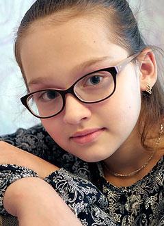 Алина Скабелкина, 9 лет, ювенильный артрит, спасет лекарство. 1847765 руб.