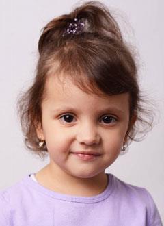Таня Черецкая, 4 года, состояние после трансплантации печени, требуется лекарство. 90706 руб.