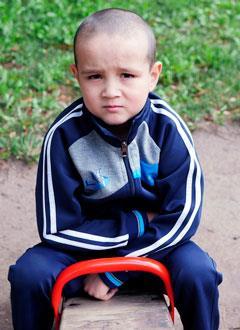 Миша Каландаров, 8 лет, хроническая почечная недостаточность в терминальной стадии, требуется переносной аппарат для диализа (очистки крови) и расходные материалы к нему. 492298 руб.