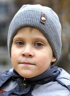 Костя Комогоров, 8 лет, Spina bifida, требуются обследование и лечение. 658317 руб.