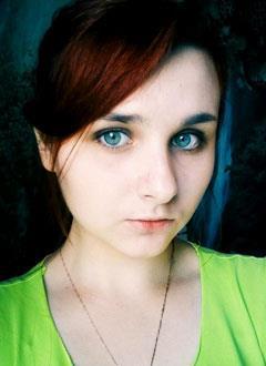 Настя Удалова, 16 лет, S-образный грудопоясничный сколиоз 2-й степени, требуется ортопедический корсет. 145390 руб.